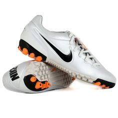 outlet store e2859 b7e7b NIKE - BOMBA FINALE BLANC Football Cleats, Football Boots, Soccer Shoes,  Rugby,