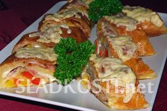 Sýrový závin se šunkou Meat, Chicken, Food, Essen, Meals, Yemek, Eten, Cubs