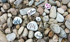 This painted stones tutorial will brighten not only your day, but also the day of anyone who stumbles across your creations! An easy, quick project. Pebble Painting, Stencil Painting, Stone Painting, Easy Games For Kids, Creative Activities For Kids, Different Fruits And Vegetables, Postman's Knock, Decorative Pebbles, White Acrylic Paint