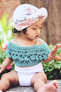 PomPom Crop Top pattern by Abigail Haze Crochet Baby Clothes, Baby Girl Crochet, Crochet For Kids, Crop Top Pattern, Belly Shirts, Crochet Crop Top, Crochet Beanie, Baby Sweaters, Crochet Designs
