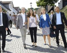 On August 4, 2016, Princess Sofia of Sweden attended the meeting of Industry Day together with Project Playground and Gränslösa Möten in Båstad, Sweden, The theme for the day is A Sustainable Tomorrow. Gränslösa Möten and Project Playground launched their cooperation through the organization's involvement in the Gränslösa Möten Day in Båstad 4 August.