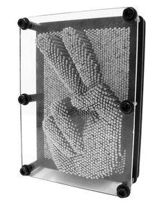 Pin Art - Klassisk platta med pinnar. Gör avtryck om och om igen