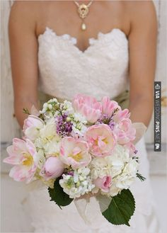 pink wedding bouquet | VIA #WEDDINGPINS.NET