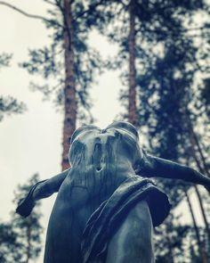Reposting @stechouse42: Rainy Day Woman 〰  Central Park 〰  Irpen  #irpin #irpen #iрпiнь #ирпень #женщине #женщине #парк #київ #киев #украина #україна #kyiv #kyivgram #woman #rainyday #rainy #autumn #fall #fallfashion #fashion #parklife #streetphotography #feminine #love #freedom #sculpture #art @artirpin