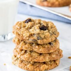 These classic oatmeal raisin cookies are made with brown sugar cinnamon vanilla and lots of oats. They're soft and chewy never dry and definitely win in the flavor and texture categories for the perfect homemade oatmeal raisin cookie. Soft Oatmeal Raisin Cookies, Chocolate Chip Cookies, Cookies Soft, Blueberry Oatmeal, Spice Cookies, Coconut Cookies, Spice Cake, Shortbread Cookies, Chocolate Chips
