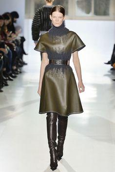 Robe Balenciaga, défilé automne-hiver 2014-2015 -cuir brodé de laine