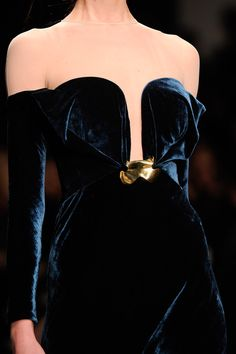 CoCo is Haute - tinaschoices: Marios Schwab Style Couture, Couture Fashion, Runway Fashion, High Fashion, Fashion Show, Fashion Outfits, Womens Fashion, Pretty Dresses, Beautiful Dresses