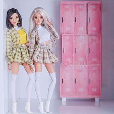 Malu, Queen e Alisha. Curtindo muito a festinha da nossa miga, parabéns miga . Barbie Style, Barbie Model, Barbie Doll House, Barbie Life, Barbie Gowns, Barbie Dress, Barbie Doll Outfits, Barbies Dolls, Moda Barbie