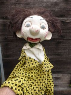 Vintage-Pelham-Ventriloquist-Stick-Puppet-Clown-with-clothes-moving-mouth