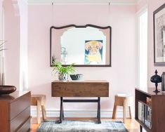 House Tour: A Small Southern Style Brooklyn Home | Apartment Therapy Cute Dorm Rooms, Cool Rooms, Farmhouse Homes, Rustic Farmhouse, Farmhouse Side Table, Home Look, Living Room Designs, Decor Styles, Room Decor