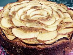 Bolo de Maçã de Liquidificador, #fit, fácil, barato, prático, lindo,nutritivo. Feito com as maçãs, granola, mel, sem leite e sem farinha de trigo.