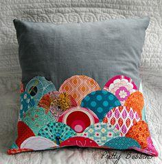 curves class clamshell cushion by Pretty Bobbins, via Flickr