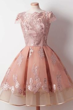 Homecoming Dress Chic Appliques Ball Gown Short Prom Dress #homecomingdresses #shortpromdresses #shorthomecomingdresses #promdresses2018