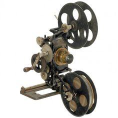 643: Edison Projecting Kinetoscope Head, c. 1905 : Lot 643