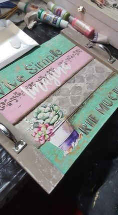 Decoupage Wood, Decoupage Vintage, Diy Crafts To Sell, Fun Crafts, Weekend Crafts, Diy Chalkboard, Diy Pallet Projects, Do It Yourself Home, Wood Art