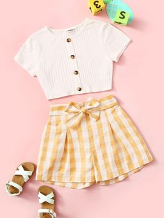 Girls Button Up Ribbed Tee & Belted Gingham Shorts Set Check out this Girls Button Up Ribbed Tee & Belted Gingham Shorts Set on Shein and explore more to meet your fashion needs! Girls Fashion Clothes, Teenage Girl Outfits, Teen Fashion Outfits, Kids Outfits Girls, Teenager Outfits, Girl Fashion, Summer Teen Fashion, Fashion Sets, Casual Teen Fashion