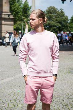 Peças em Tons de Rosa no Visual Masculino (5)