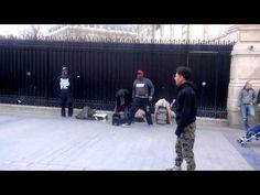 Parigi, simpatici artisti alla stazione della metro Basketball Court, Videos, Video Clip