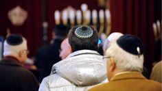 Le Consistoire israélite de Marseille recommande aux juifs de ne pas porter la kippa, après l'agression d'un juif.