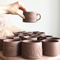 Slab Building with Handmade Texture with Sarah Pike - Ceramic Arts Network Hand Built Pottery, Slab Pottery, Pottery Plates, Pottery Mugs, Ceramic Pottery, Thrown Pottery, Pottery Wheel, Clay Mugs, Ceramic Clay