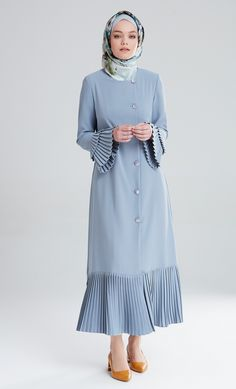 M5180 ACIK MAVİ Abaya Fashion, Women's Fashion Dresses, Moslem Fashion, Abaya Designs, Hijab Fashion Inspiration, Model Outfits, Daily Dress, Islamic Clothing, Mode Hijab
