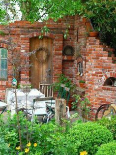 Fesselnd Brick Garden, Garden Gates, Farm Gardens, Small Gardens, Garden Styles,  Garden Structures, Patio Design, Garden Design, Outdoor Rooms, Plant Decor,  ...