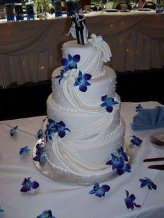 Tartas de boda con orquídeas: fotos ideas originales - Tarta decorada con orquídeas azules