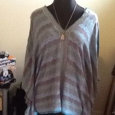 I just discovered this while shopping on Poshmark: Top. Check it out!  Size: 22/24