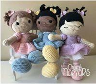 Mari, Mirna and Miong Dolls - crochet patterns Crochet Baby Poncho, Free Crochet Bag, Crochet Baby Sandals, Crochet Gratis, Crochet Patterns Amigurumi, Amigurumi Doll, Diy Crochet, Knitted Dolls, Crochet Dolls