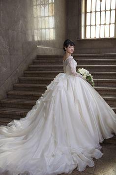 Fluffy Wedding Dress, 2nd Wedding Dresses, Bridal Dresses, Wedding Shit, Wedding Story, Asian Bride, Fancy Dress, Asian Girl, Mall