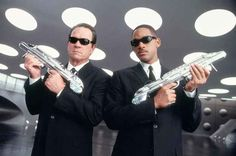 Men in Black | 16 DIY Costumes Based On Your Favorite '90s Movie Character