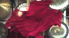 Gongimprovisation with Karin Gibson - YouTube