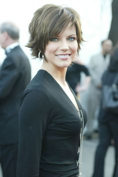 martina mcbride short hairstyles - Поиск в Google
