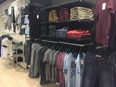 Messieurs, cette année la rentrée se fait en Teddy Smith avec ses superbes Jeans ! Retrouvez les dernières nouveautés de la marque chez Parano !