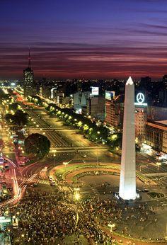 Buenos Aires, Argentina.  By PeterAdams.( OBELISCO Y PLAZA DE LA REÚBLICA)