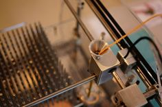 RCA graduate invents 3D-weaving machine.