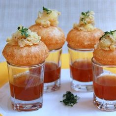Creative and easy wedding food counter ideas for your indian wedding catering - check it out here! Easy Wedding Food, Indian Wedding Food, Wedding Sweets, Wedding Buffets, Wedding Blog, Wedding Decor, Indian Snacks, Indian Food Recipes, Food Counter