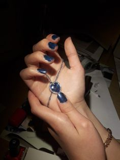 Blue nails with blue diamont