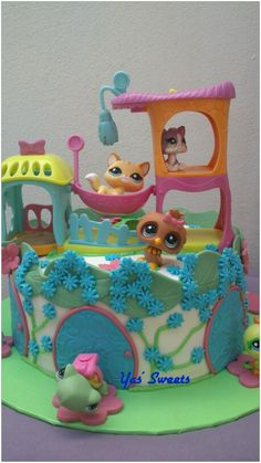 """Little pet shops cake""; chocolate brownie with gum buttercream"