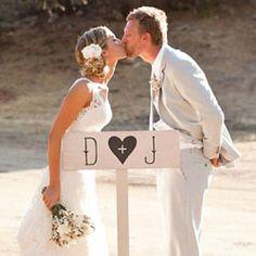 Look whose wedding was on weddinggawker!