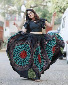 Kashmiri Mugal Bollywood Argent Oxydé Indian jhumka JHUMKI Jolie Boucles d/'oreilles