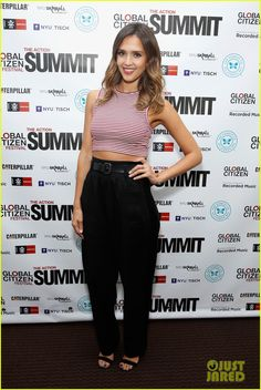jessica alba stoked to see gwen stefani perform 06 Jessica Alba shows off her midriff in a crop top while attending the Global Citizen Festival - The Action Summit 2014 on Friday (September 26) in New York City.…