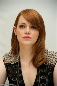 Emma Stone - Added to Beauty Eternal - A collection of the most beautiful women. Beautiful Women Tumblr, Actress Emma Stone, Actrices Hollywood, Famous Girls, Redhead Girl, Strawberry Blonde, Woman Face, Hollywood Actresses, Redheads