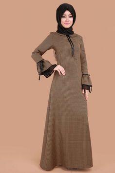 ** SONBAHAR / KIŞ ** Kazayağı Desen Volan Kol Elbise Hardal Ürün Kodu: BRN81475 --> 99.90 TL Modest Outfits, Dress Outfits, Fashion Outfits, Hijab Dress, Hijab Outfit, Abaya Fashion, Muslim Fashion, Dress With Cardigan, The Dress