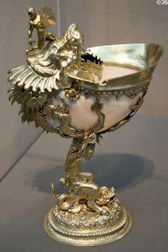 Dutch Nautilus Cup in gilded silver mounts, 1596 by Jan Jacobsz. van Royesteyn