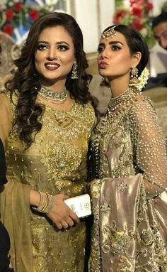 Mizna waqas in suno chand Pakistani Formal Dresses, Pakistani Wedding Outfits, Pakistani Wedding Dresses, Bridal Outfits, Pakistani Models, Pakistani Couture, Pakistani Actress, Pakistani Dramas, Pakistan Wedding