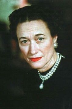 duchess of Windsor wearing the famous pearls (originally Queen Mary's).