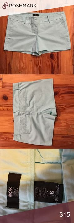 """NWOT Pretty Mint Blue Shorts I love this mint blue color. These shorts are so easy and comfortable to wear. With 2% spandex they have a nice give. Laid flat the waist measures 19.5"""" the inseam is 3.5"""". I don't think I ever wore these. They are in EXCELLENT CLEAN CONDITION with no rips, stains, tears or pilling. From my CLEAN NON SMOKING home. Check out my other items .. I do bundle! I am listing a lot of cute spring and summer items. Thanks for looking!😊 Mossimo Supply Co Shorts"""