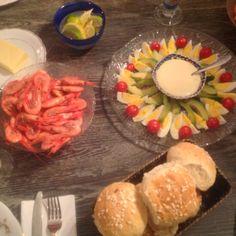 Deilige og myke rundstykker. – Fru Haaland Cottage Cheese, Cookies, Baking, Image, Crack Crackers, Biscuits, Bakken, Cookie Recipes, Backen