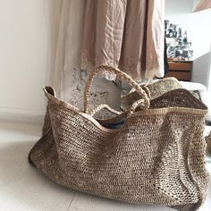 Handtaschen Damen Grau – virginemamapapa - Basket and Crate My Bags, Purses And Bags, Basket Bag, Beautiful Bags, Fashion Bags, Reusable Tote Bags, Handbags, Shoe Bag, Knitting